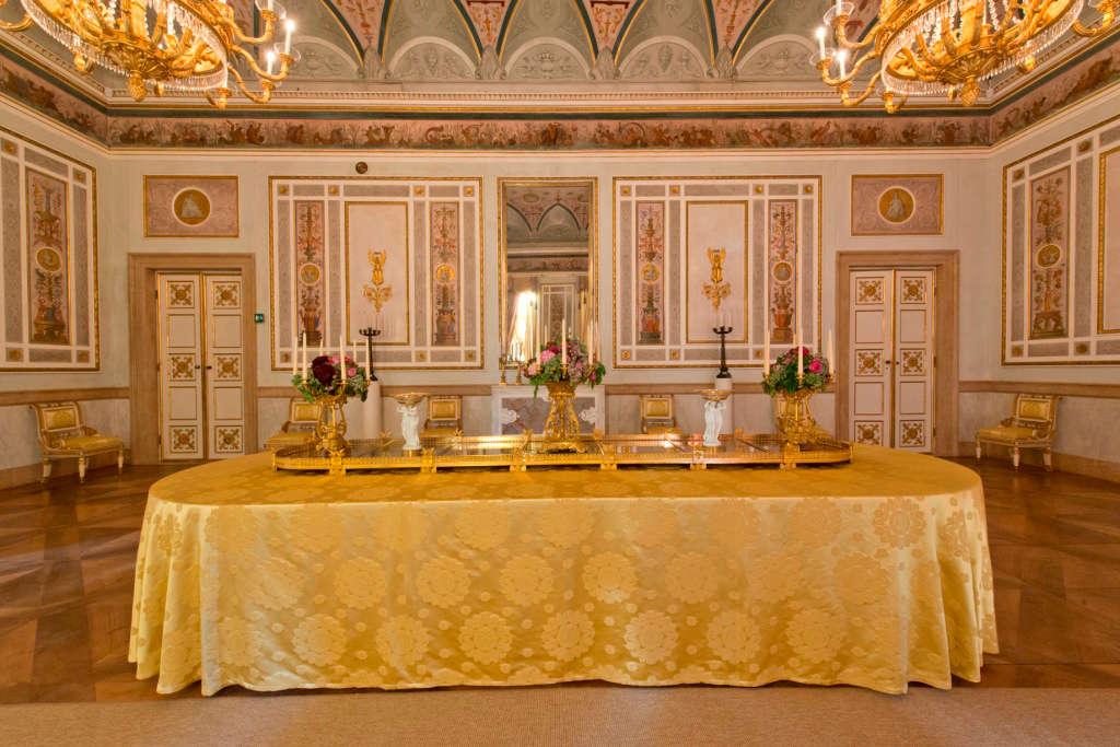The imperial rooms museo correr for Case senza sale da pranzo
